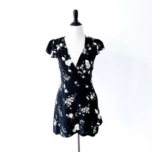 Brandy Melville Robbie Floral Wrap Dress